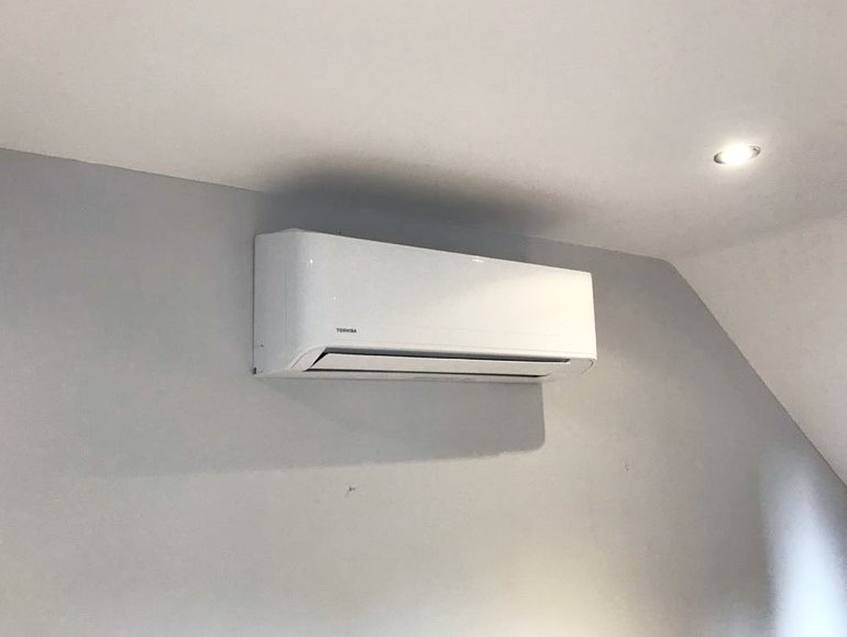 Toshiba wall mount A/C